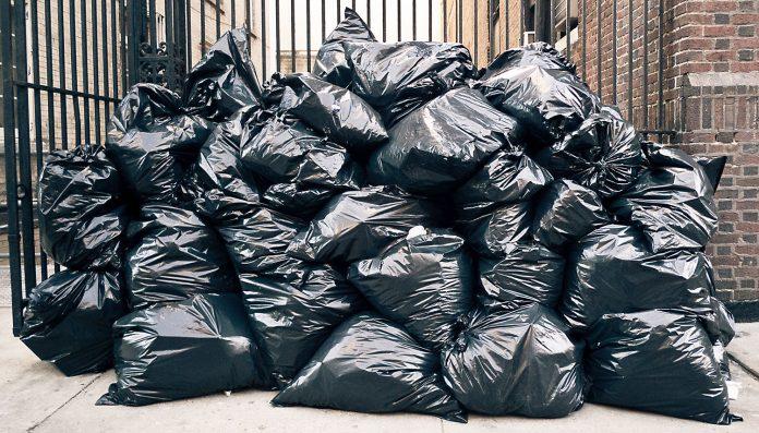 pourquoi autant de poubelles en plein air new york french morning. Black Bedroom Furniture Sets. Home Design Ideas
