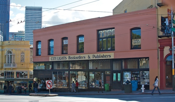 La City Lights Booksellers sur Colombus avenue. (Credit : Jay Calvin/Flickr)