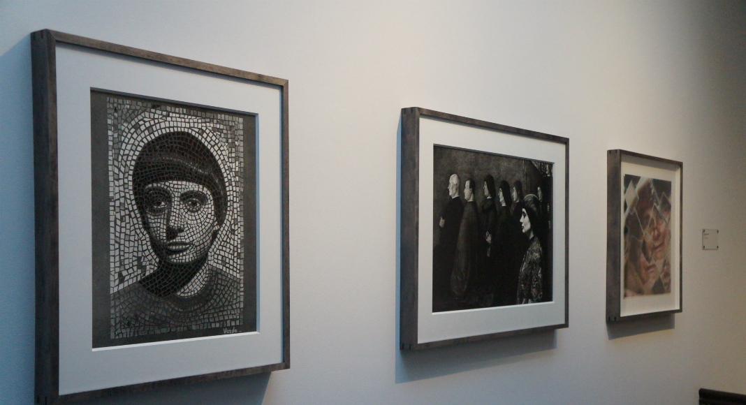 Trois autoportraits d'Agnès Varda: à 20 ans, 30 ans et 80 ans.