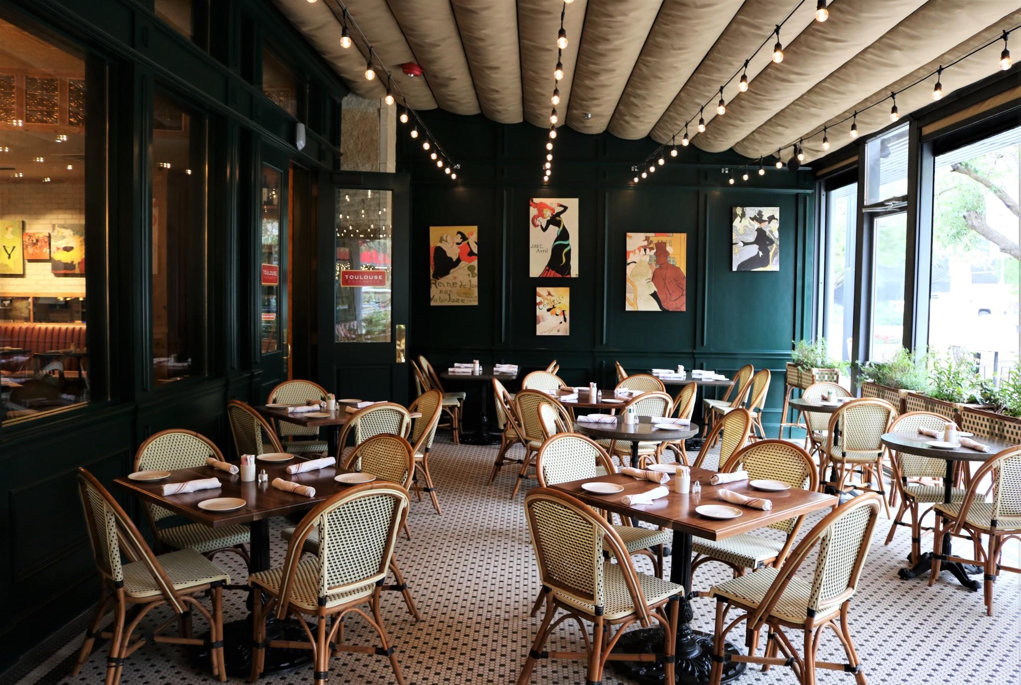 La terrasse de Toulouse Cafe & Bar à Austin