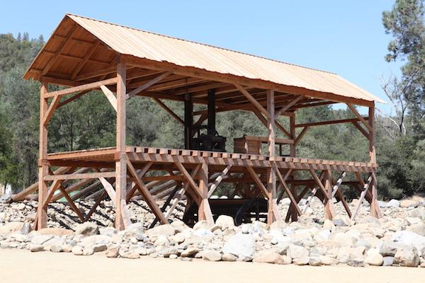 Le moulin de Sutter, à Coloma. James Marshall y trouva les premières paillettes d'or qui précipitèrent la ruée en 1848.