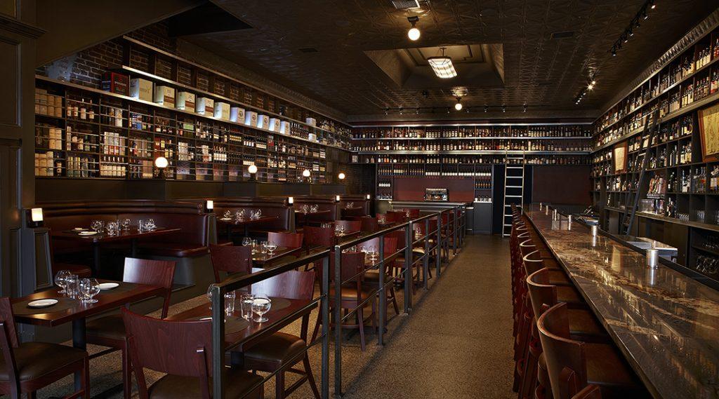 Le bar Jack Rose Dining saloon propose des soirées dégustation dans le quartier d'Adams Morgan.