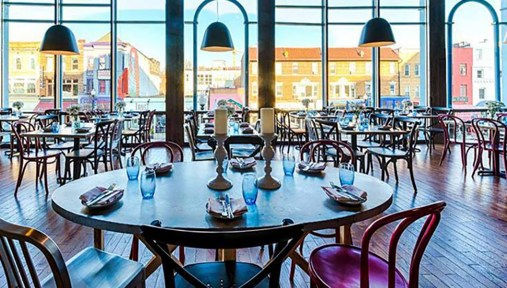 Ce restaurant-bar est aussi connu pour ces concerts de musique.